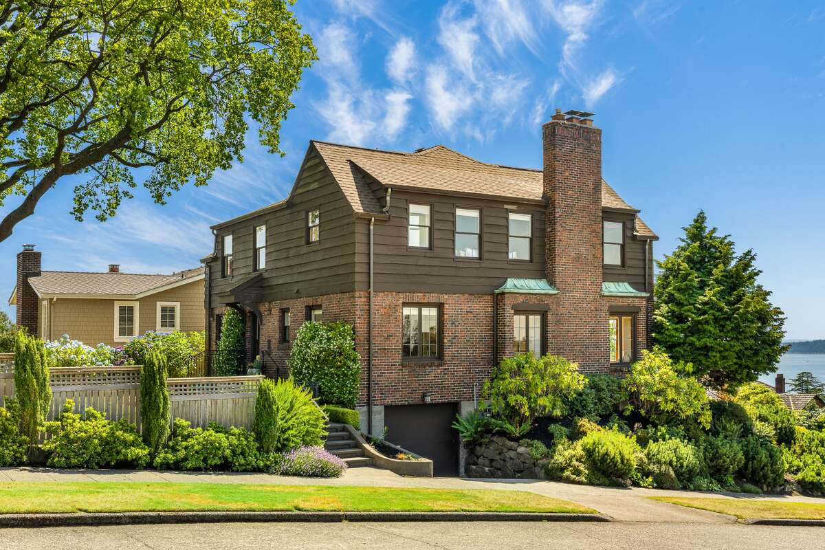 The home is a generous 3,290 square feet.
