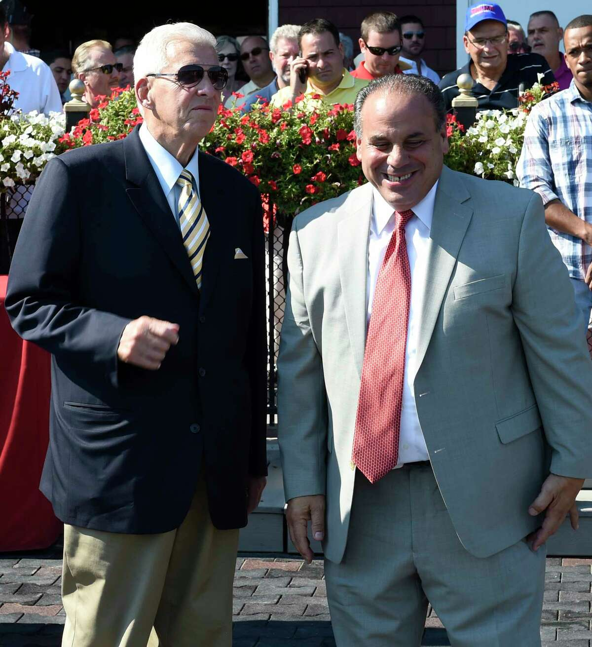 Trainer Gary Sciacca, right, shown with Bill Parcells in 2016, needs three more victories to reach 1,000 for his career.