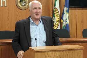 On Wednesday night, the Greenwich Democratic Town Committee unanimously backs Bill Kelly as its candidate for first selectman, leading a local ticket that will see all municipal offices challenged in the fall.