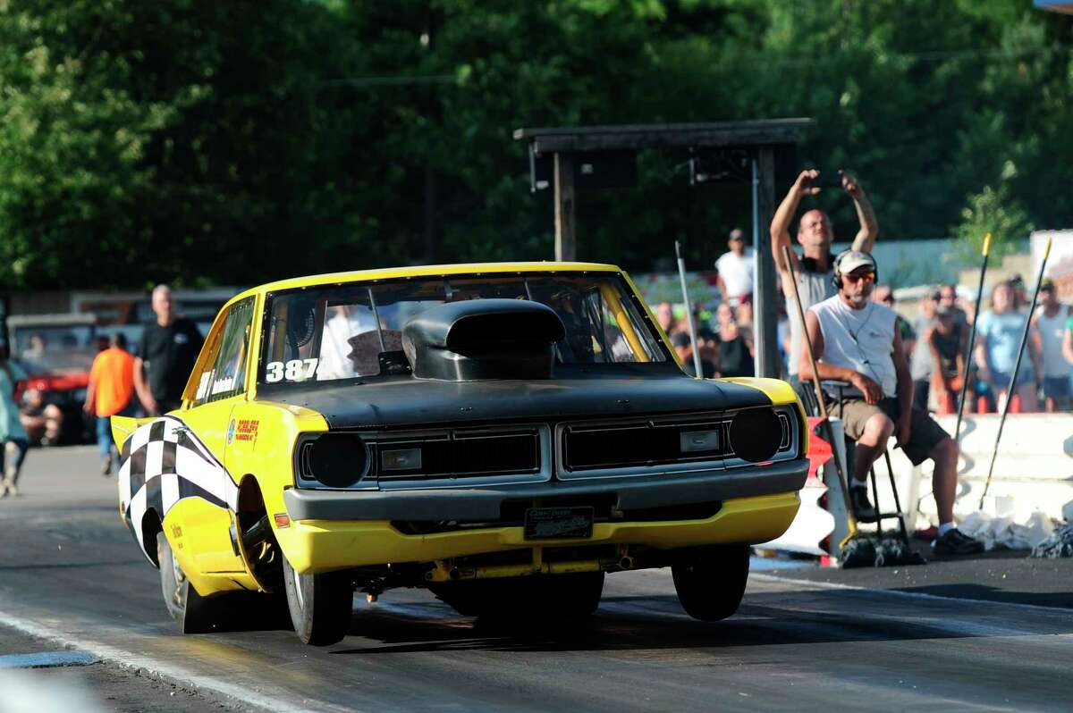 Dan Perrine was a Top Doorslammer class competitor in the 23rd Annual Mopars Against the World. The Dexter, MI entry was a fan favorite with his 1970 Dodge Dart. (Courtesy photo)