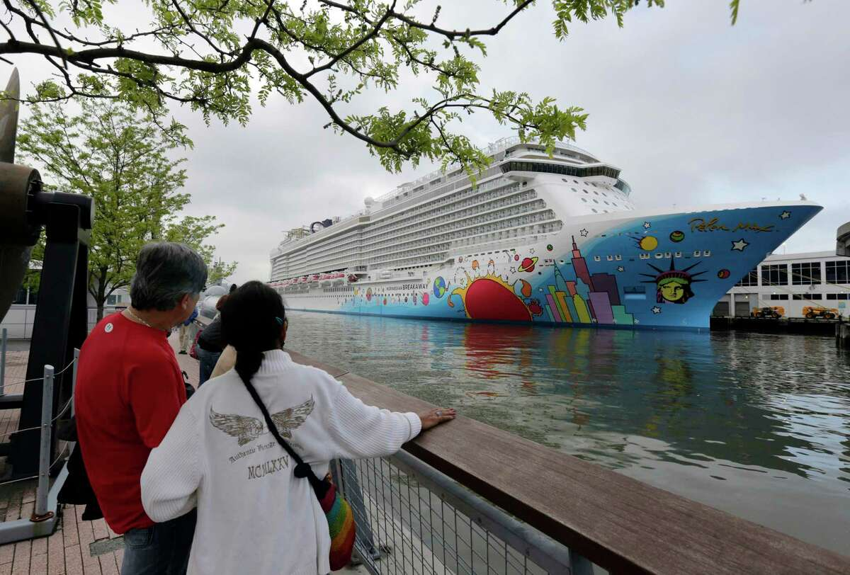 Norwegian Cruise Line is challenging a new Florida law that prevents cruise companies from requiring passengers to show proof of vaccination against the COVID-19 virus. Readers support the company's decision to provide service only to vaccinated travelers.