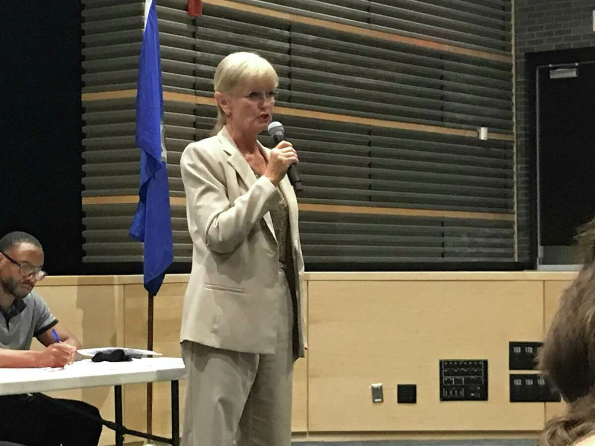 Mayor Nancy Rossi speaks at the Democratic Town Committee on Thursday.