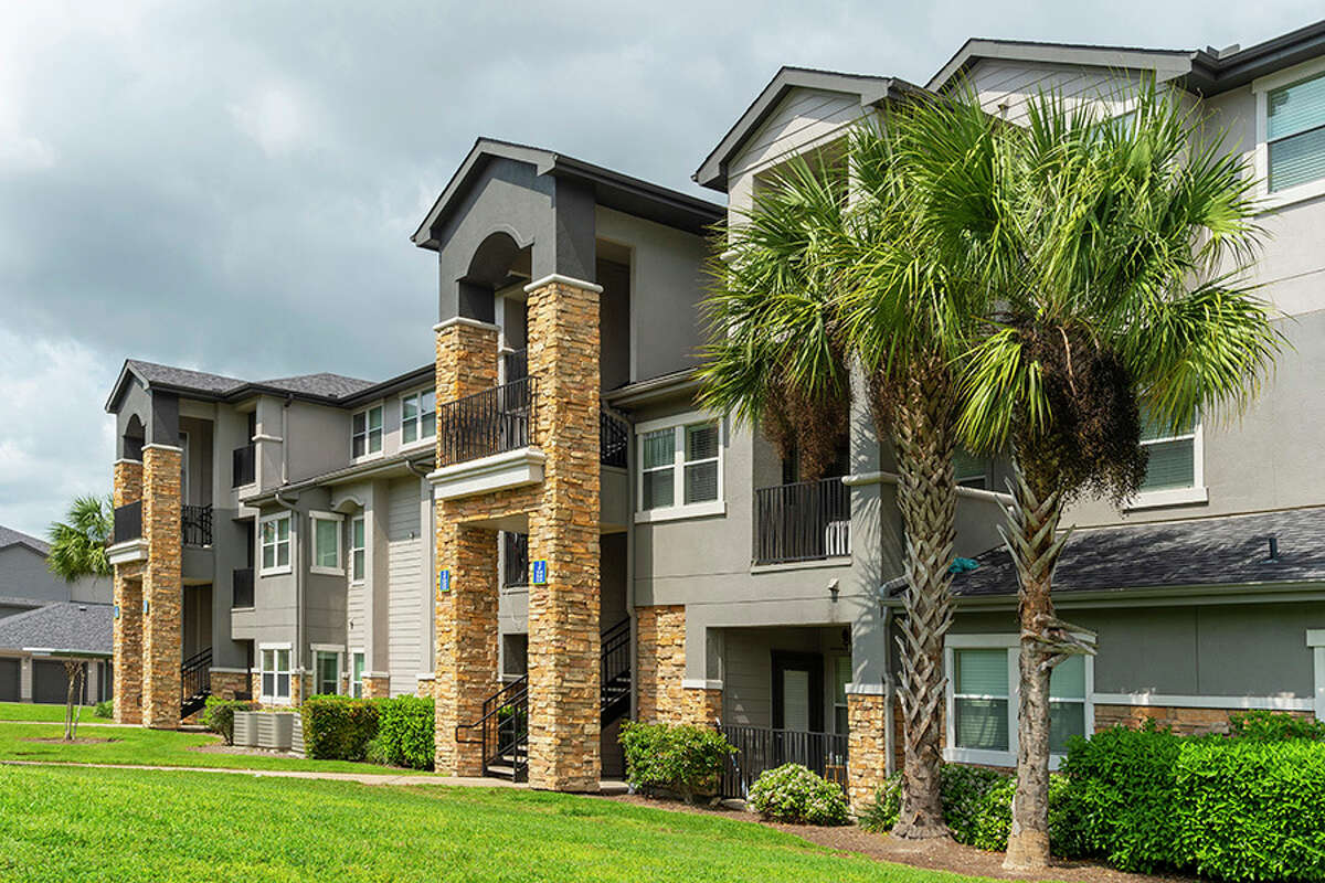 Keener Investments has acquired the 312-unit Montelago Luxury Apartments at 11881 Gulf Point Drive in southeast Houston.
