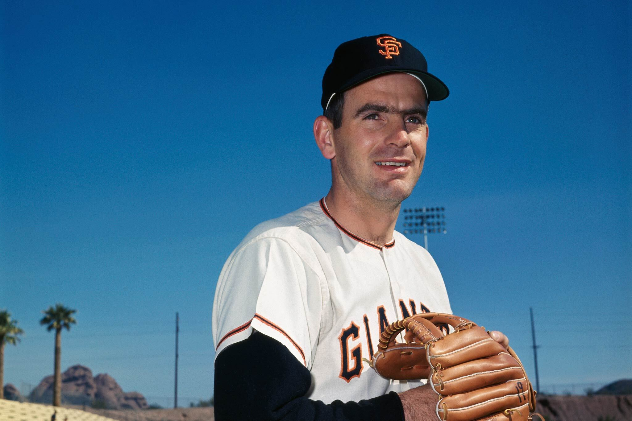 The moonshot story of Giants' Gaylord Perry was labeled a 'legend' by Snopes. Is that fair?