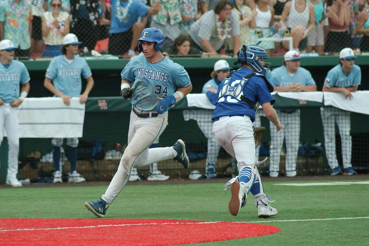 Friendswood's Izaac Pacheco (34) has signed with the Detroit Tigers for $2.75 million.