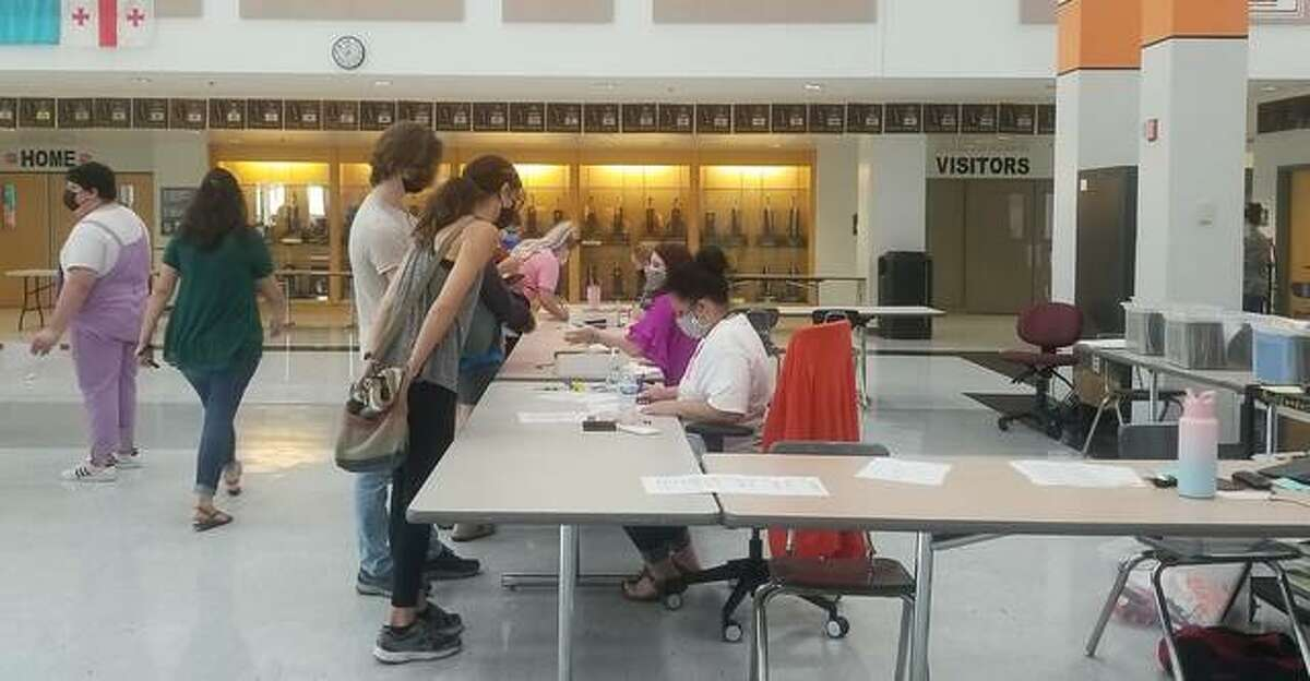 """Edwardsville High School Principal Dr. Stuart said registration for the 2021-2022 school year went """"very smoothly"""" on Friday."""
