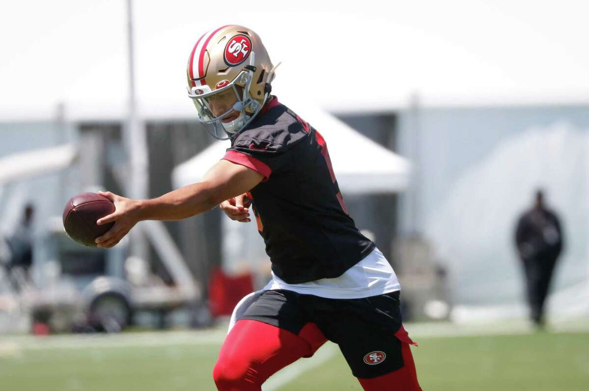 49ers quarterback Trey Lance (5) practices at 49ers headquarters on Wednesday, June 2, 2021 in Santa Clara, Calif.