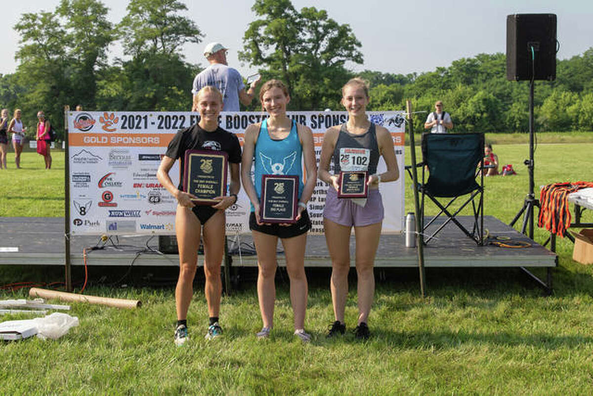 The top three female finishers from Mud Mountain, pictured from left to right, were champion Kassidy Dexheimer, runner-up Julianna Determan and Courtney Link.