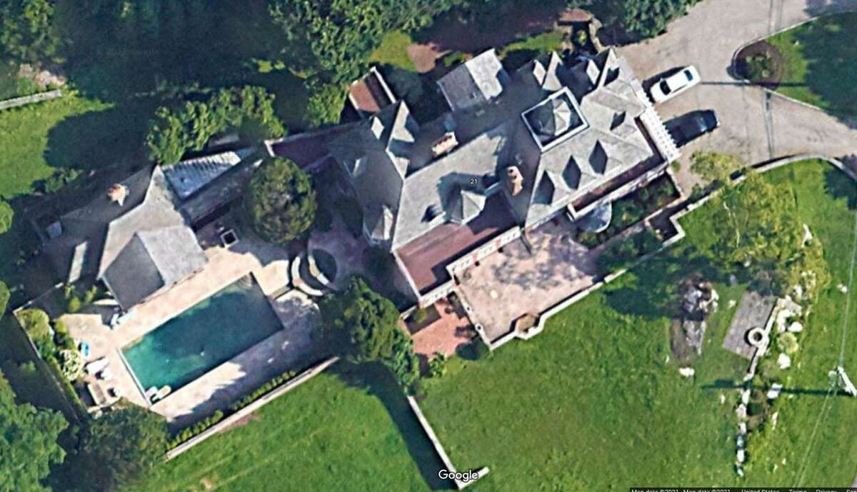Google image of a mansion on Point Road in Norwalk, Conn., that could be up for auction in September 2021.