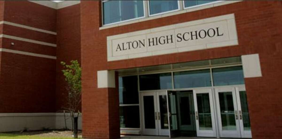 """Weekly screenings, optional facial masks and """"layered"""" COVID-19 mitigations comprise the Alton School District's proposed 2021-22 School Opening Plan. Through July 29, the school district is inviting parents to provide comments and questions on the plan via parentquestions@altonschools.org."""