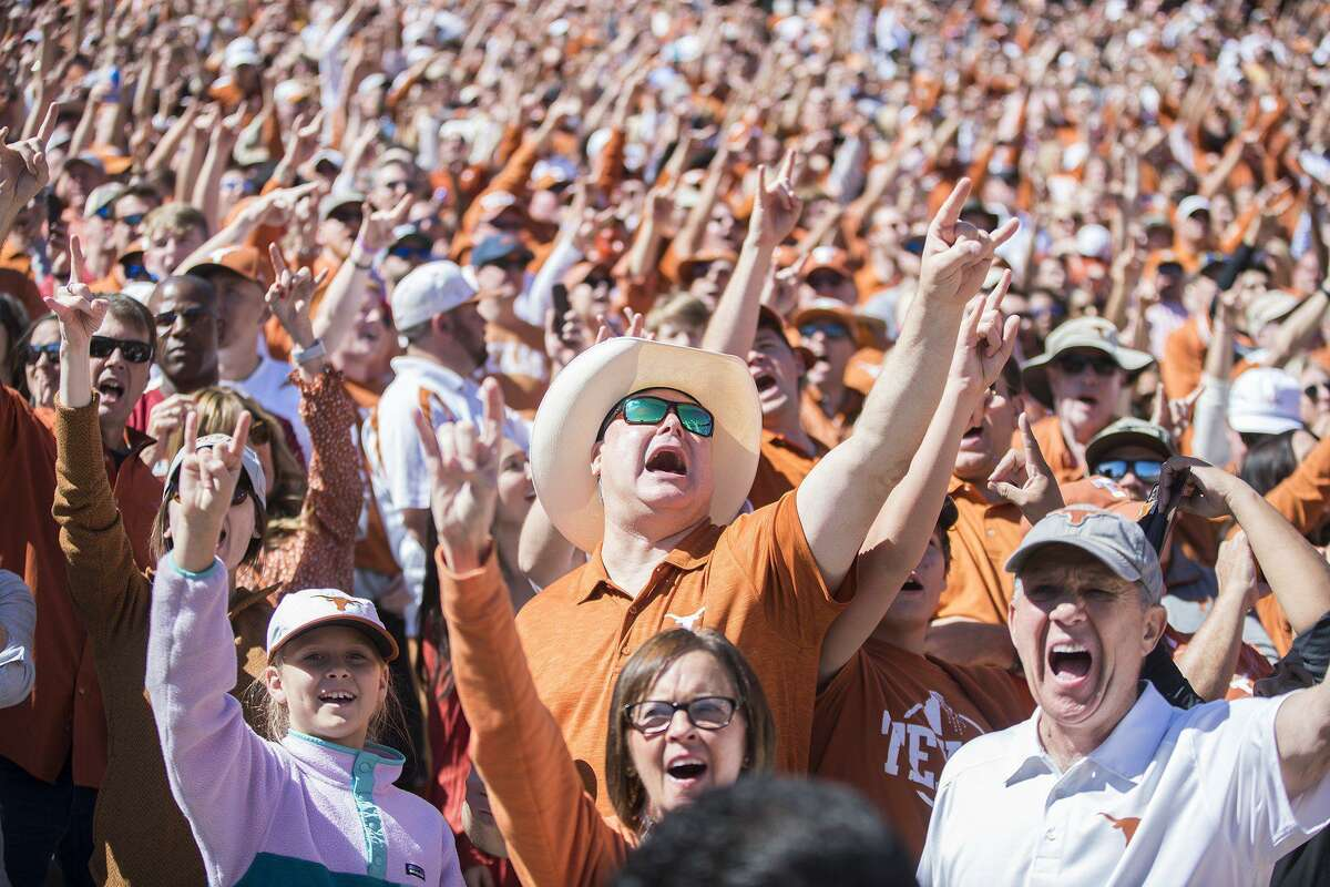 The Texas Longhorns are planning to inform the Big 12 that they will be moving to the SEC in the coming days.