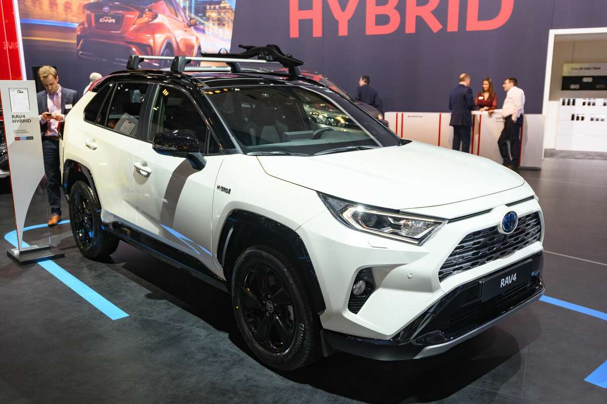 BRUSSELS, BELGIUM - JANUARY 9: Toyota RAV4 Hybrid compact SUV on display at Brussels Expo on January 9, 2020 in Brussels, Belgium. (Photo by Sjoerd van der Wal/Getty Images)