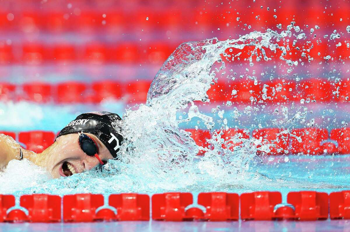 TOKYO, JAPAN - JULY 26: Katie Ledecky of Team United States competes in the Women's 400m Freestyle Final on day three of the Tokyo 2020 Olympic Games at Tokyo Aquatics Centre on July 26, 2021 in Tokyo, Japan. (Photo by Tom Pennington/Getty Images)