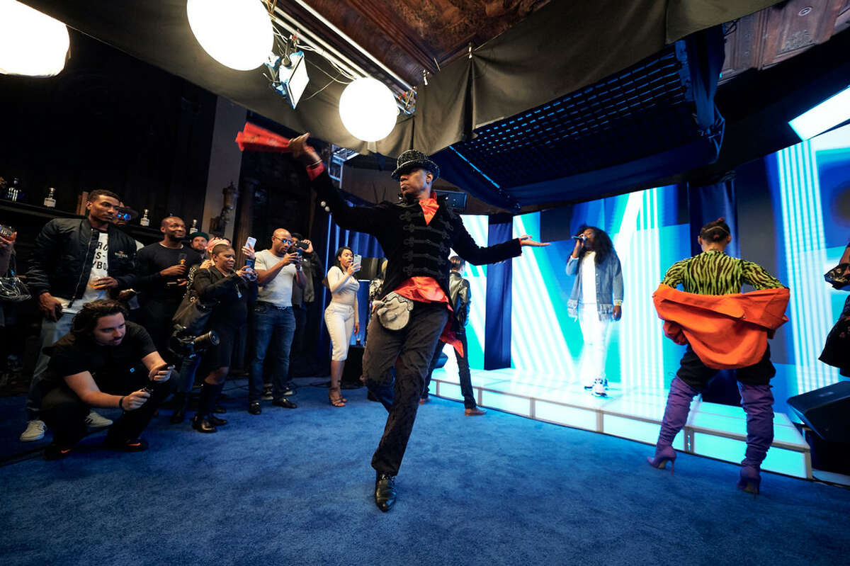 Archie Burnett at an April 2019 dance event in Yonkers. (Getty Images)