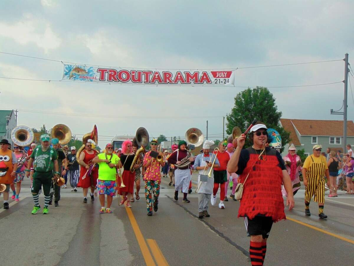 The Scottville Clown Band was the grand finale of the grand parade. (Star photo/Shanna Avery)