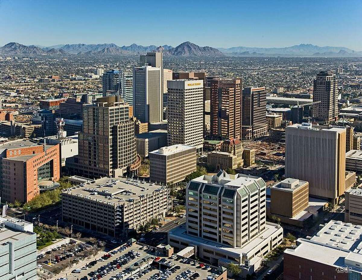 #20. Phoenix-Mesa-Chandler, AZ - Started a new job in Phoenix-Mesa-Chandler, AZ from Houston-The Woodlands-Sugar Land, TX in Q2 2020: 285--- 0.8% of total new out-of-metro jobs- Started a new job in Houston-The Woodlands-Sugar Land, TX from Phoenix-Mesa-Chandler, AZ in Q2 2020: 205--- #17 most common destination from Phoenix-Mesa-Chandler, AZ- Net job flow: 80 to Phoenix-Mesa-Chandler, AZ