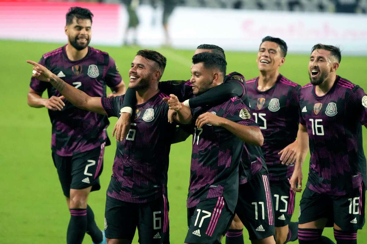 Mexico midfielder Jonathan Dos Santos (6) against Honduras during the second half of a CONCACAF Gold Cup soccer match, Saturday, July 24, 2021, in Glendale, Ariz. (AP Photo/Rick Scuteri)