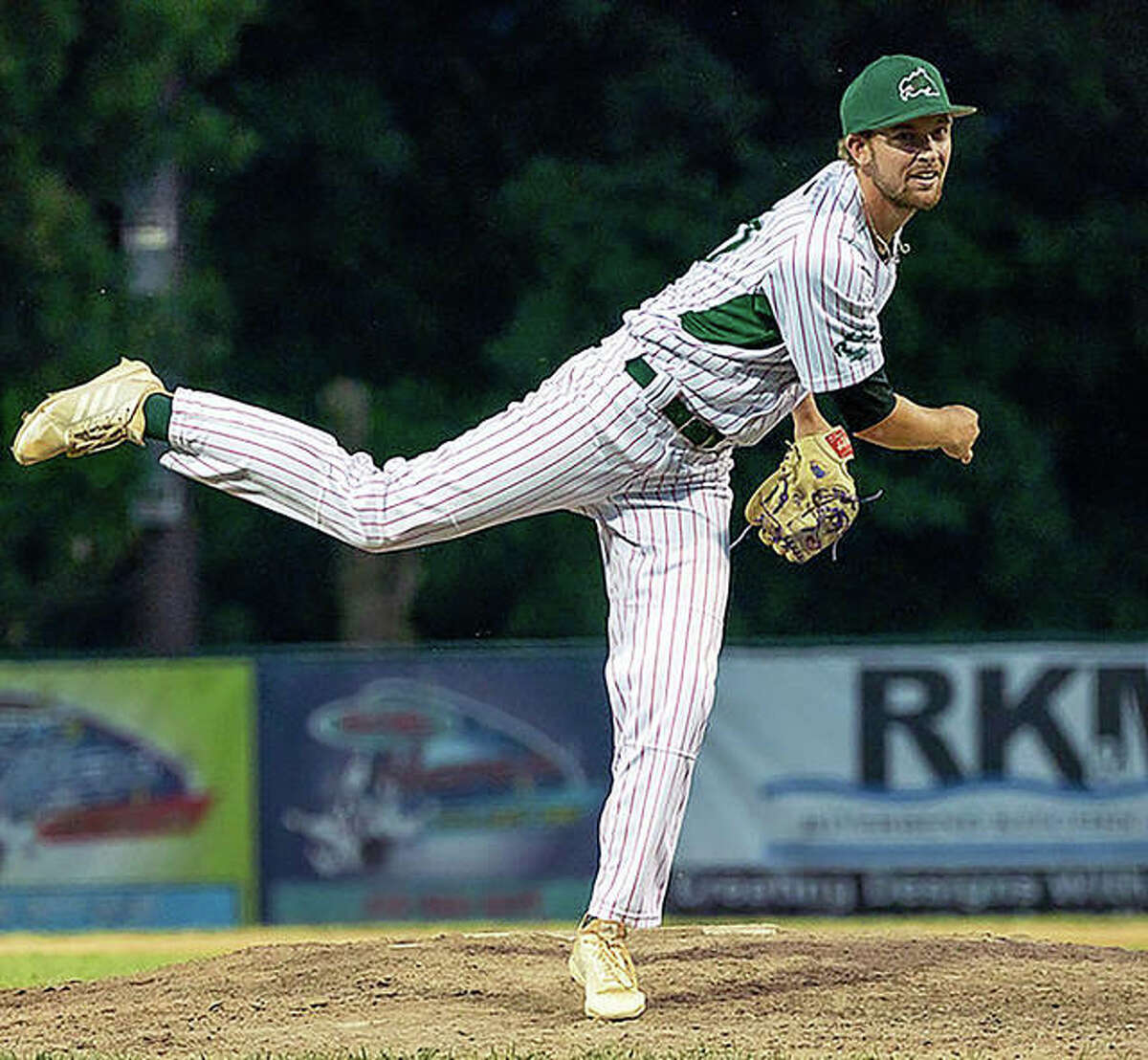 River Dragon pitcher Bryce Einstein picked up a save in Wednesday night's 4-2 Alton victory over REX Baseball in Terre Haute, Ind.