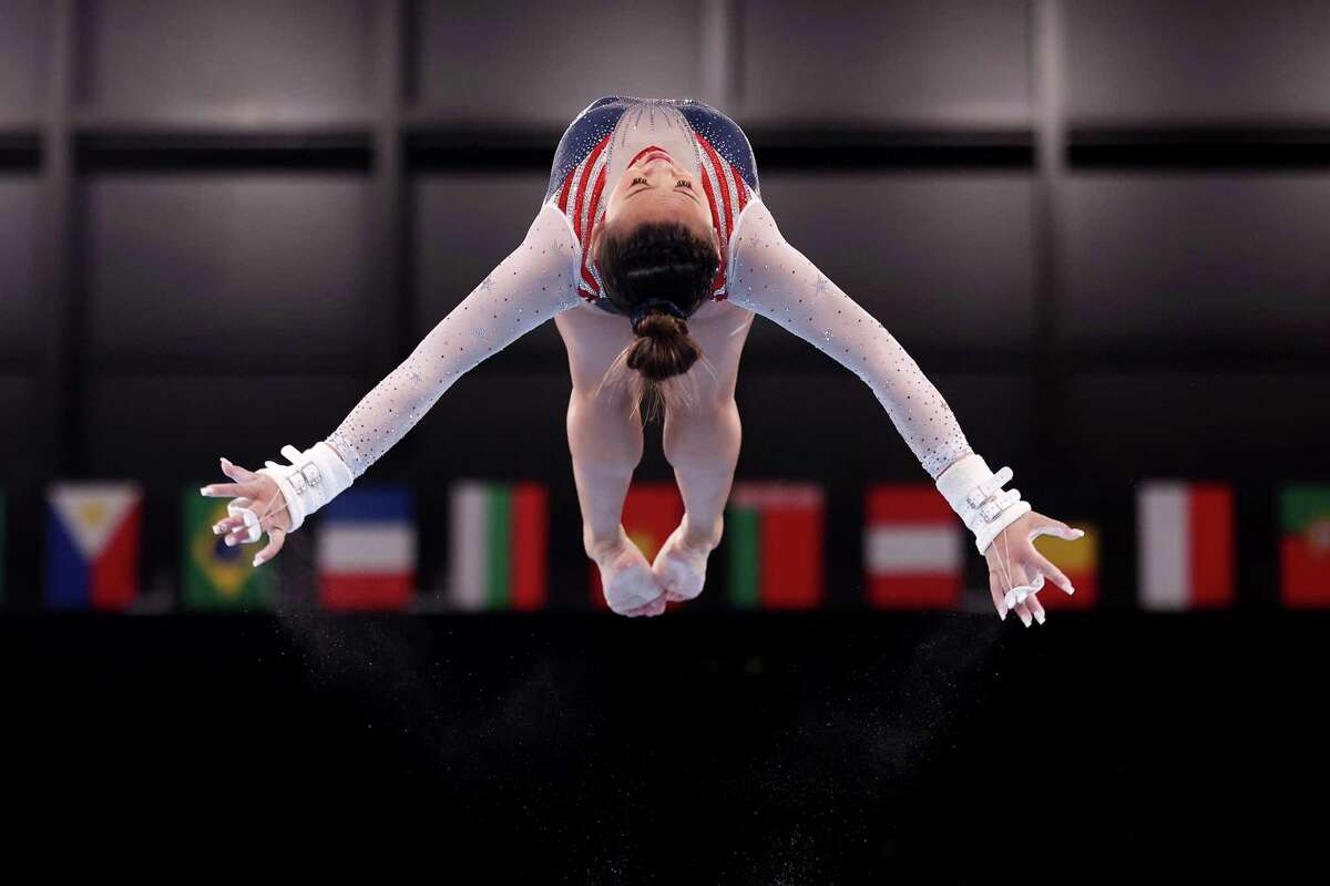 TOKYO, JAPAN - JULY 29: Sunisa Lee of Team United States competes on uneven bars during the Women's All-Around Final on day six of the Tokyo 2020 Olympic Games at Ariake Gymnastics Centre on July 29, 2021 in Tokyo, Japan. (Photo by Jamie Squire/Getty Images)