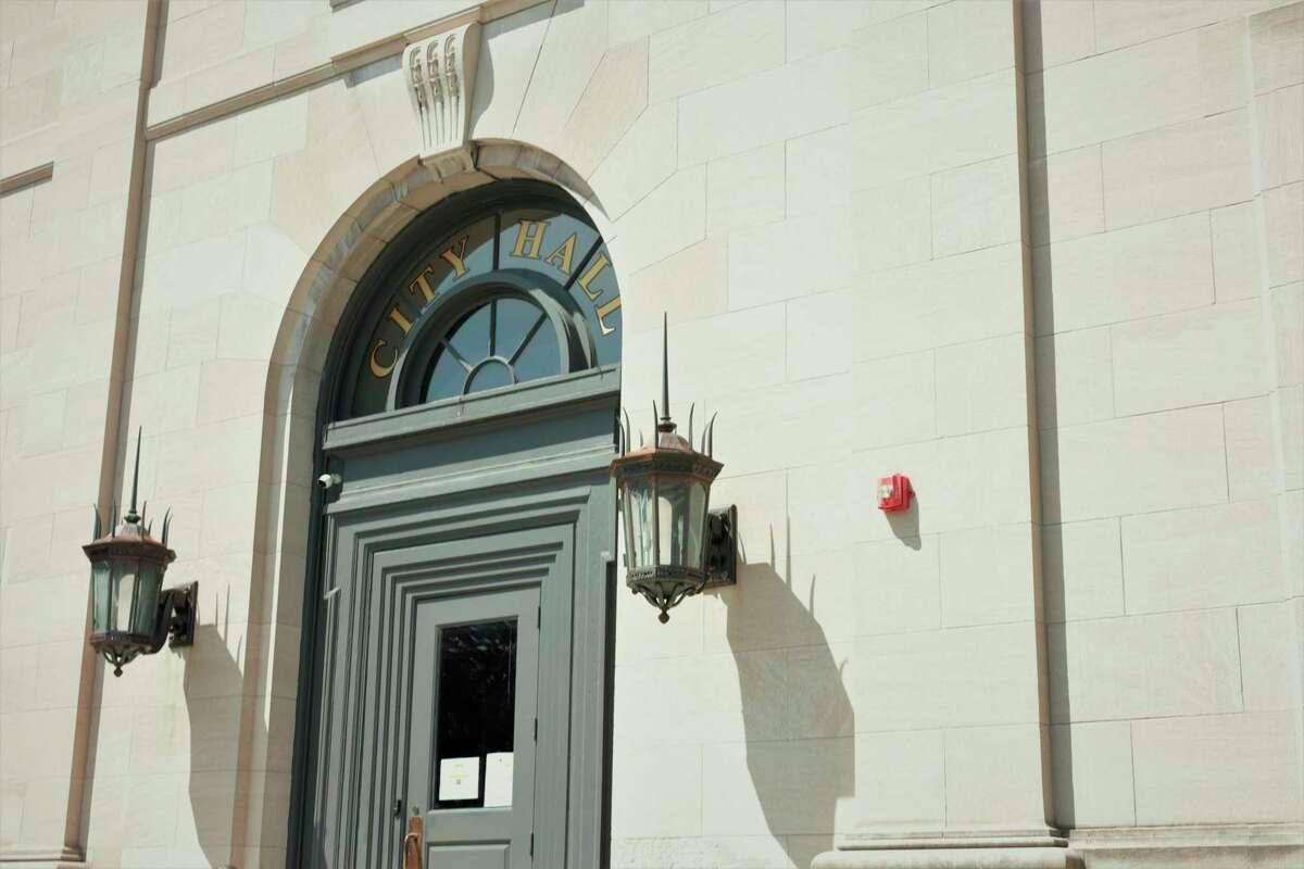 City hall on sunny July afternoon. (Jeff Zide/News Advocate)