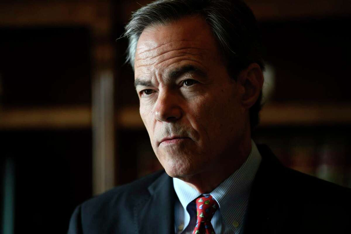 Former House Speaker Joe Straus, R-San Antonio, was a model of bipartisanship leadership. A reader, a Democrat, says she would love to see Straus run for governor.