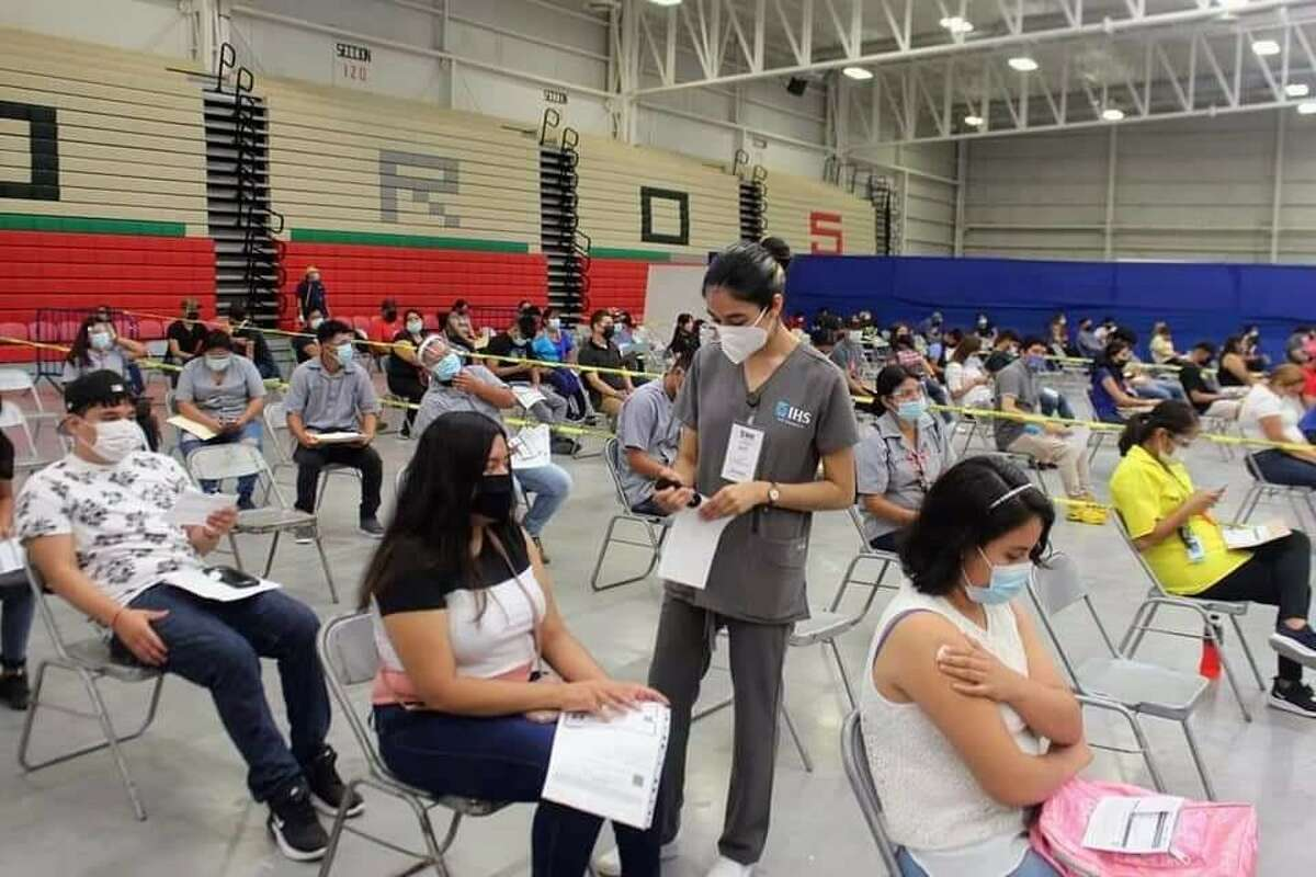 Approximately 70,000 people received their first dose of the Pfizer vaccine during a drive in Nuevo Laredo from Tuesday through Saturday.