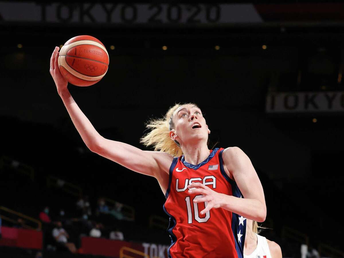 SAITAMA, JAPAN - AUGUST 02: Breanna Stewart #10 of Team United States goes up for a shot against France during the second half of a Women's Basketball Preliminary Round Group B game on day ten of the Tokyo 2020 Olympic Games at Saitama Super Arena on August 02, 2021 in Saitama, Japan. (Photo by Gregory Shamus/Getty Images)
