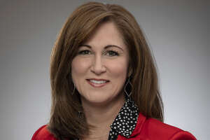 Kelly Lynch announced Monday morning she is leaving talk radio.