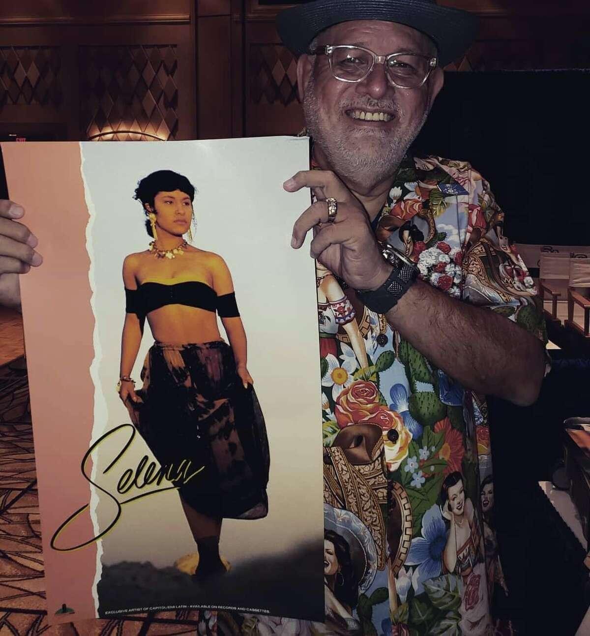 Ruben Cubillos designed Selena's signature logo.