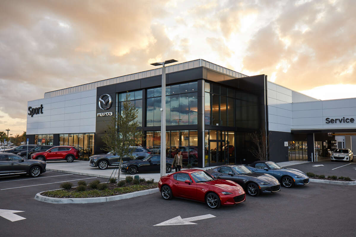 Mazda North American Operations oversees the sales, marketing, parts and customer service support of Mazda vehicles in the United States, Canada and Mexico through approximately 780 dealers.