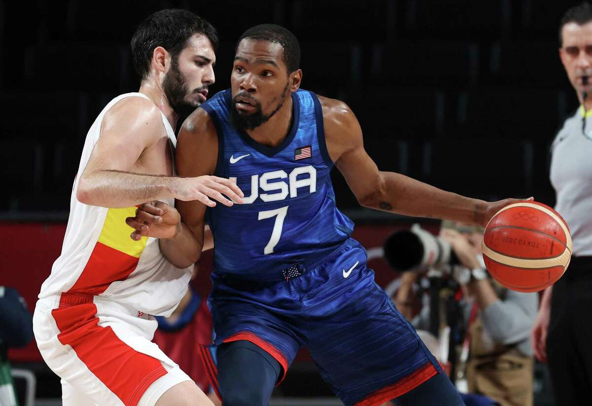 Kevin Durant scored 29 points on 10-of-17 shooting in the United States' 95-81 defeat of Spain in the Olympic quarterfinals.