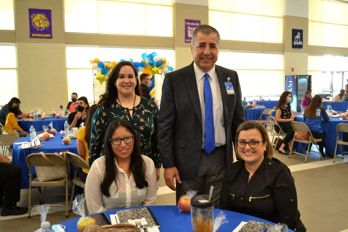 UISD Superintendent of Schools David H. Gonzalez greeting and welcoming new teachers to the district.