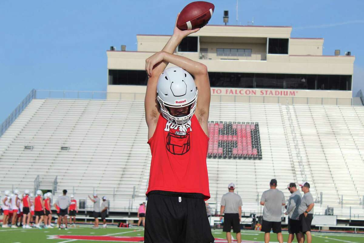 Hargrave quarterback Luke Thomas warming up before the first day of practice at Falcons Stadium.