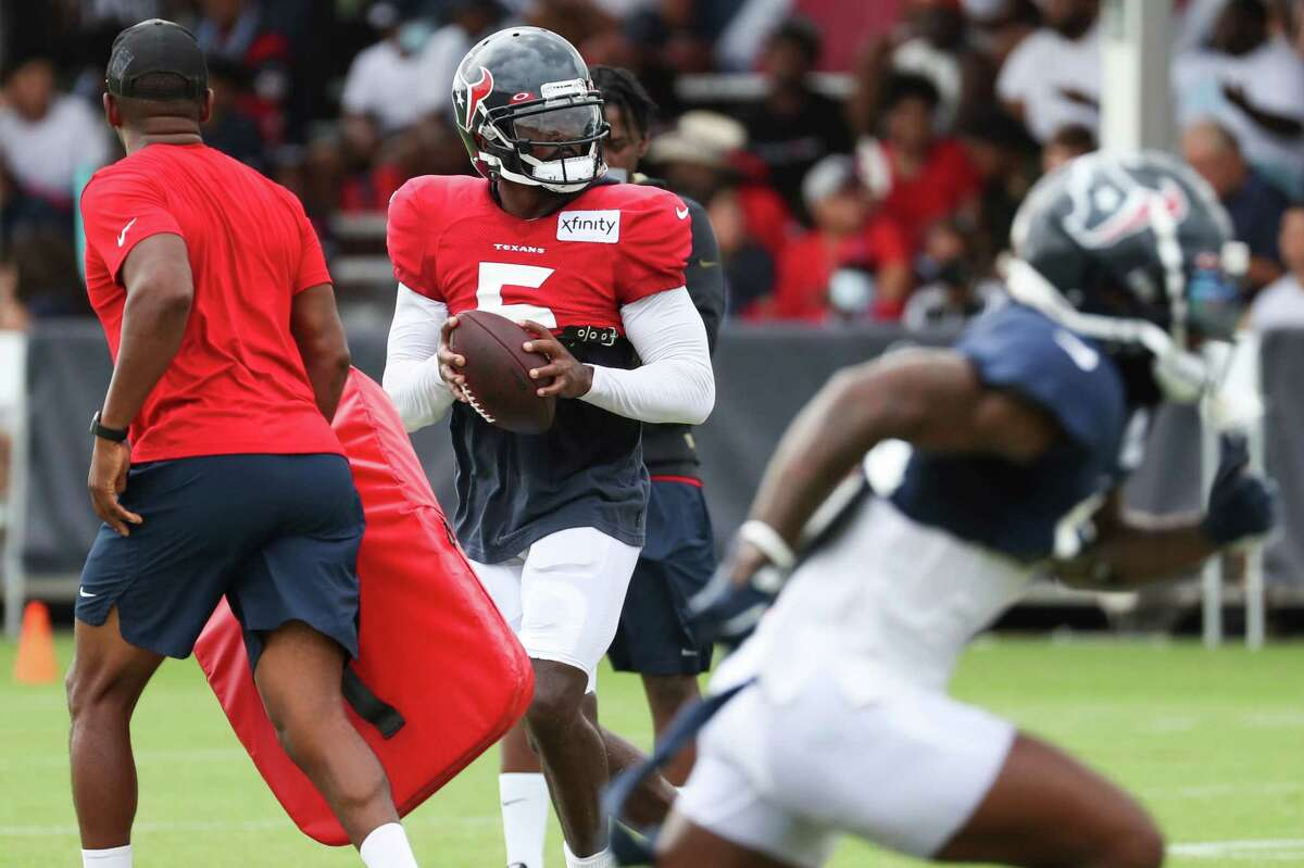 The Texans' offense has looked its smoothest in camp under the direction of veteran QB Tyrod Taylor.