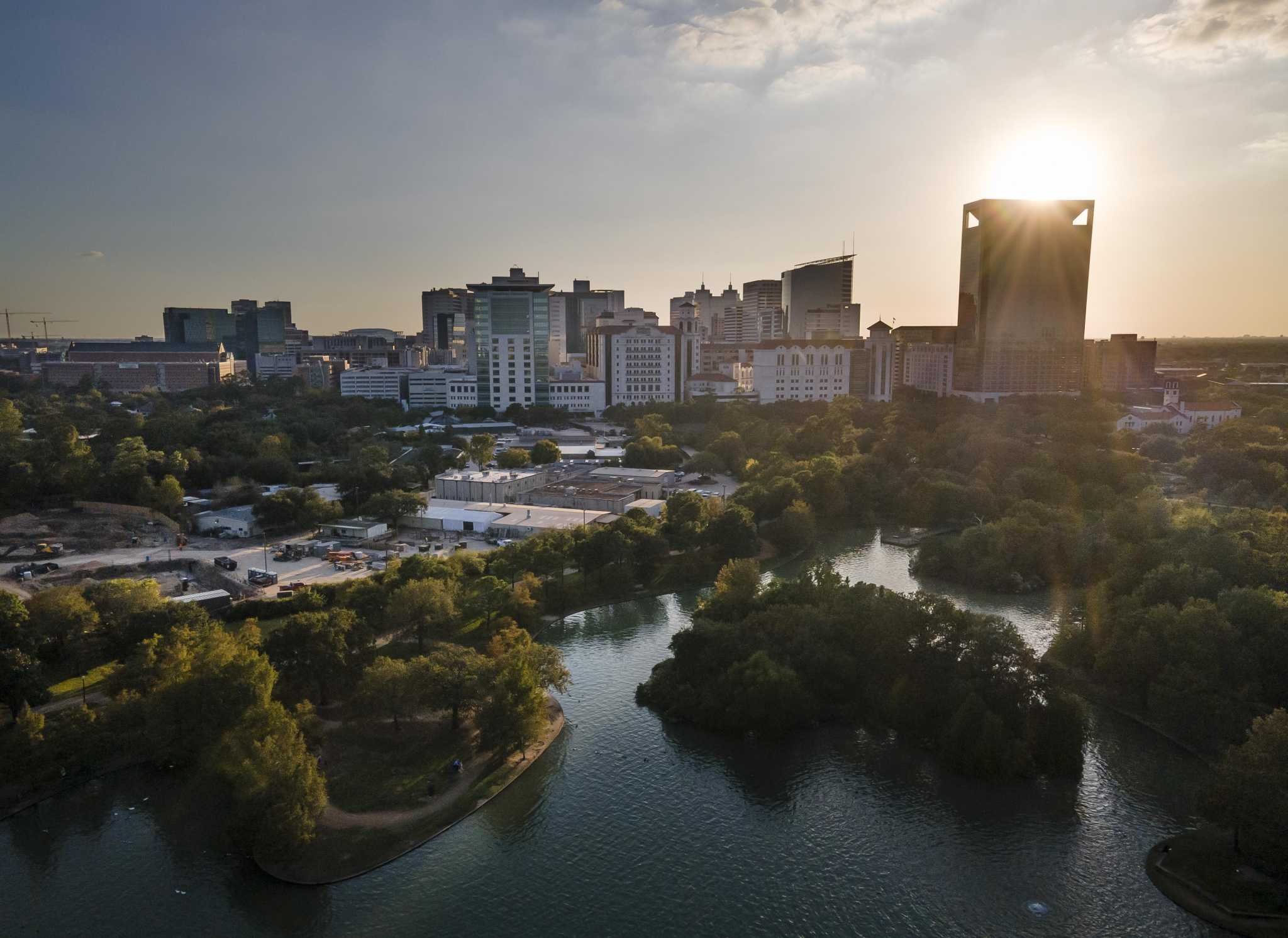 'Dark times': Houston's fourth COVID-19 wave to be the largest yet, medical leaders predict