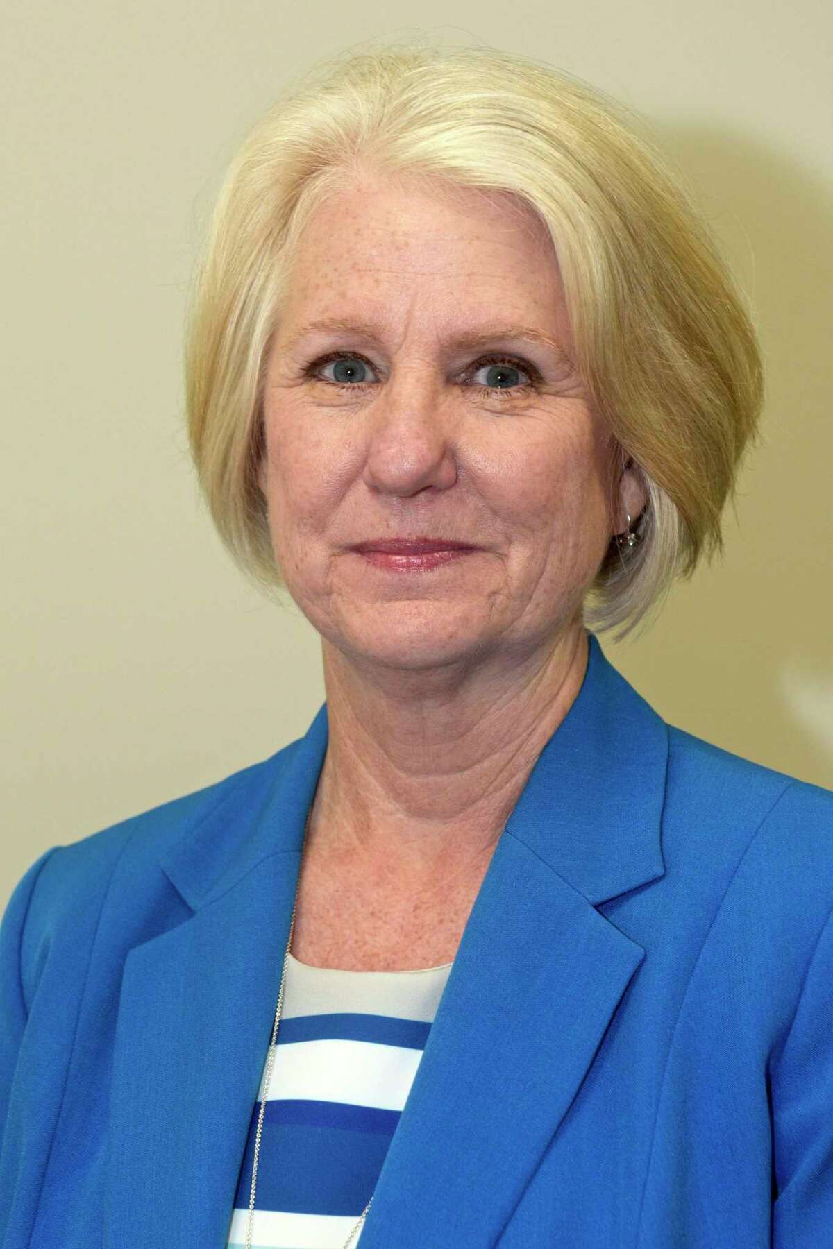New Fairfield First Selectman Pat Del Monaco is looking at an unopposed race for re-election with no Republican candidate endorsed to challenge her this November.