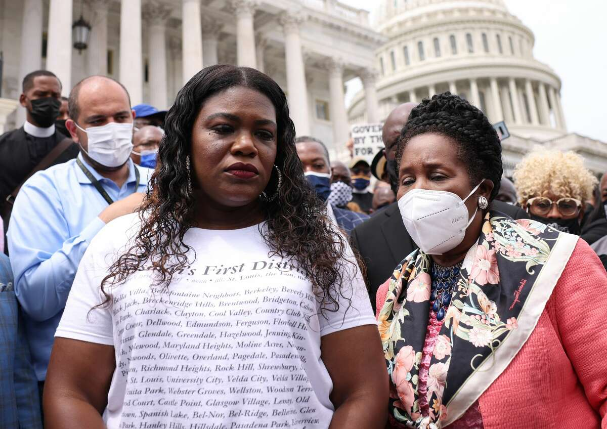 Rep. Sheila Jackson Lee, D-TX, (R), and Rep. Cori Bush. D-MO, speak at a rally against the end of the eviction moratorium at the U.S. Capitol on Aug. 3, 2021 in Washington, DC. (Photo by Kevin Dietsch/Getty Images)