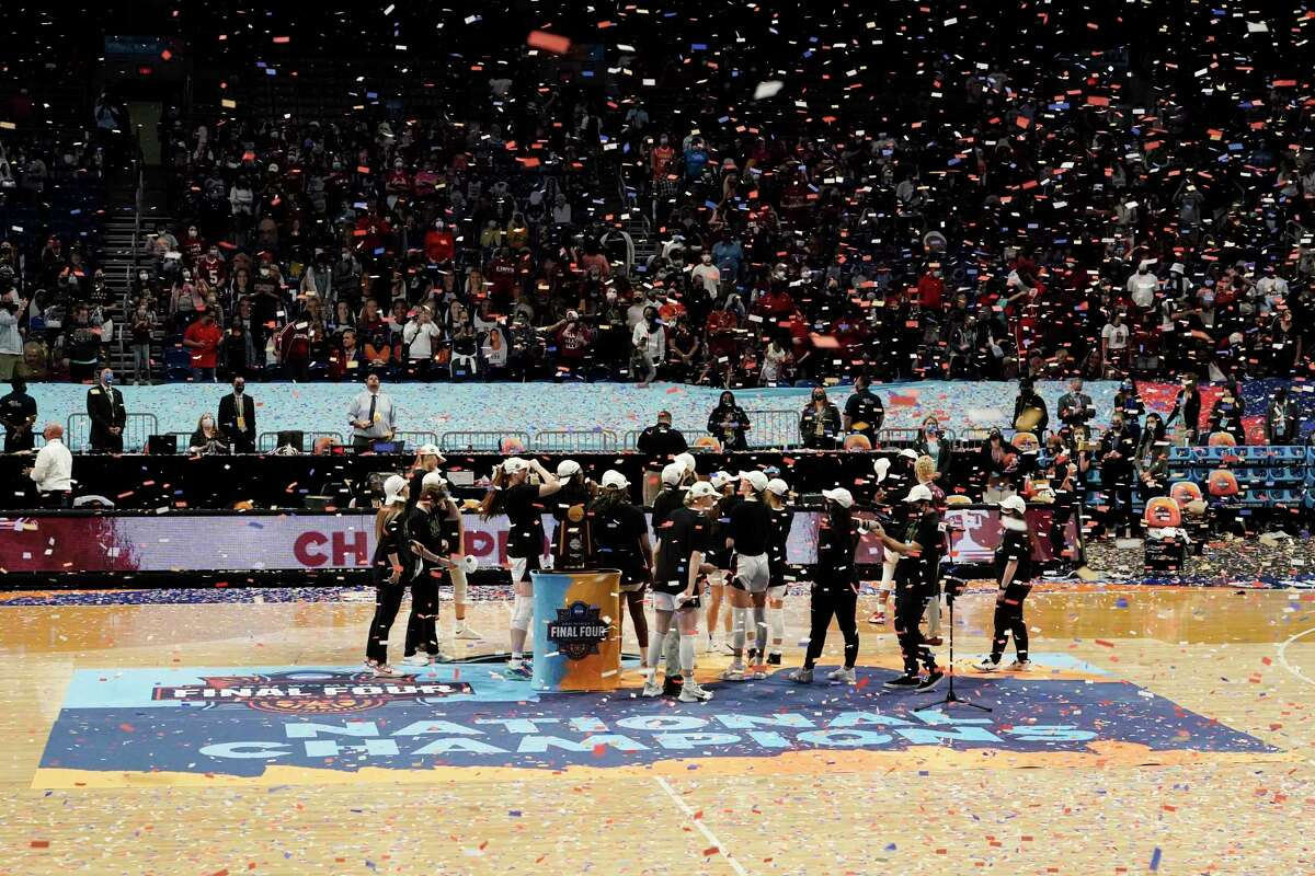 Stanford celebrates on the court after beating Arizona to win the national championship on April 4 in San Antonio.
