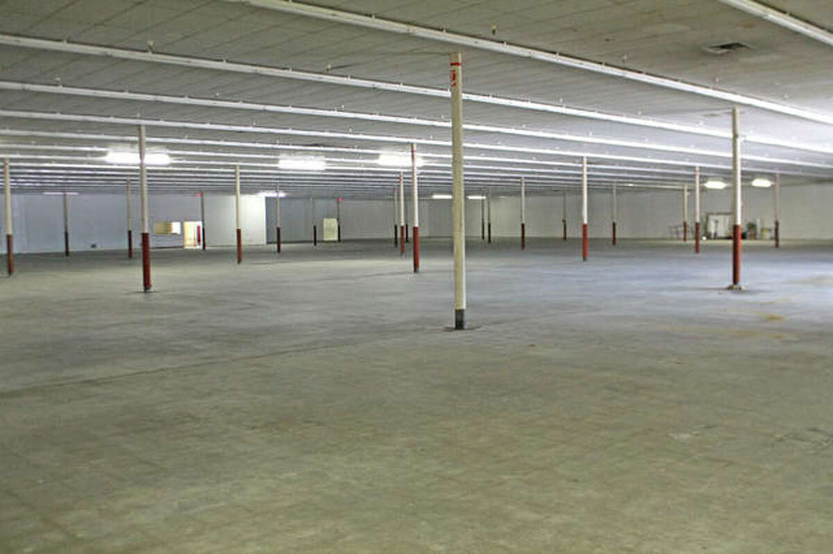 The new owner of a mall at 911 S. State St. in Jerseyville is offering a year of free rent to attract tenants.