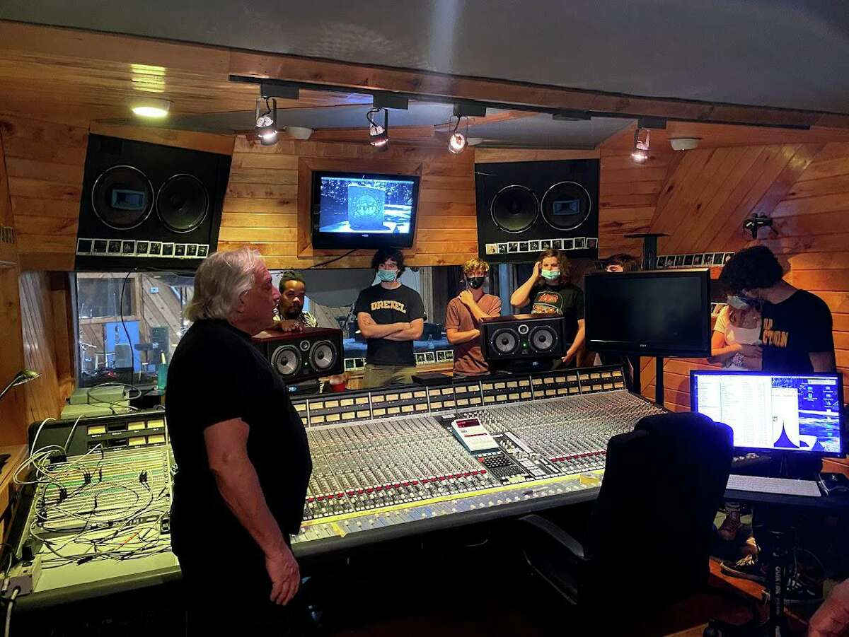 New Canaan School of Rock students recently participated in the 2021 AllStars Music Program that took place at the Carriage House Studios in Stamford. The team recorded seven songs, including an original song that was written by their songwriter.