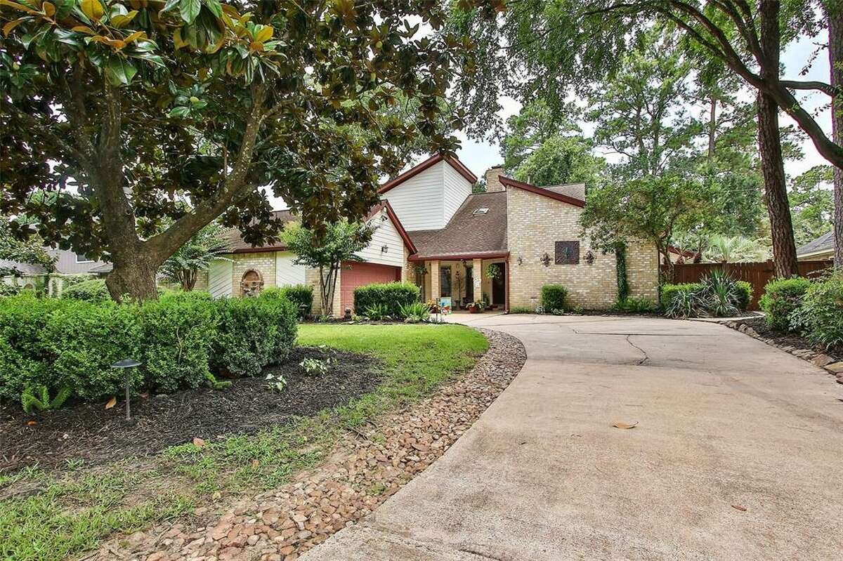 This unique property located at 11907 Fawnview Drive in Northwest Houston, recently hit the market for $350,000 touting animal-themed decor, an elaborate outdoor living space and a Houston Texans-themed room.