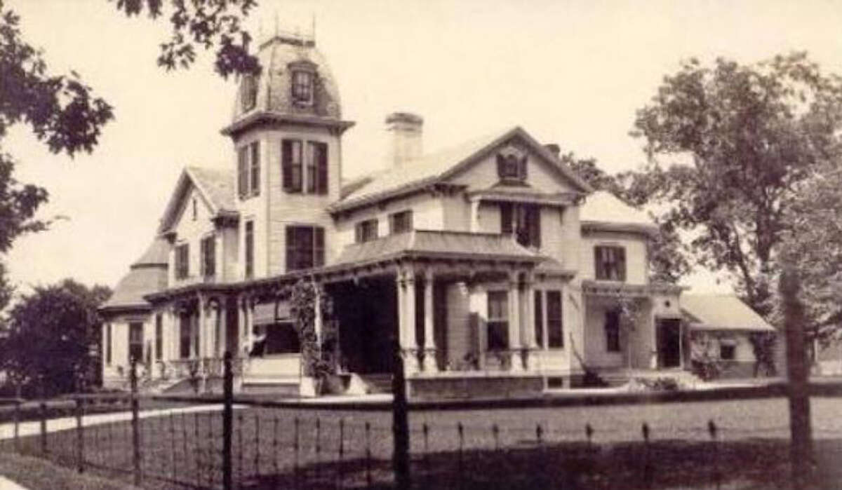 Five ghost hunts are planned at Cheney Mansion in Jerseyville.