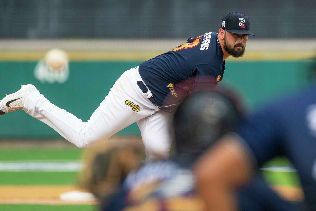 Jackson Stephens and the Tecolotes Dos Laredos were eliminated from playoff contention Wednesday as they lost 2-1 against the Saraperos de Saltillo 2-1 at Uni-Trade Stadium.