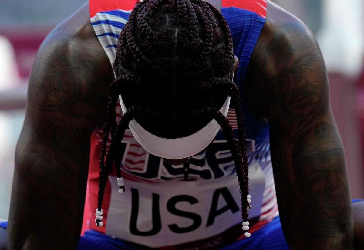 Cravon Gillespie and the U.S. did not qualify for the final of the men's 4x100 relay in Tokyo.