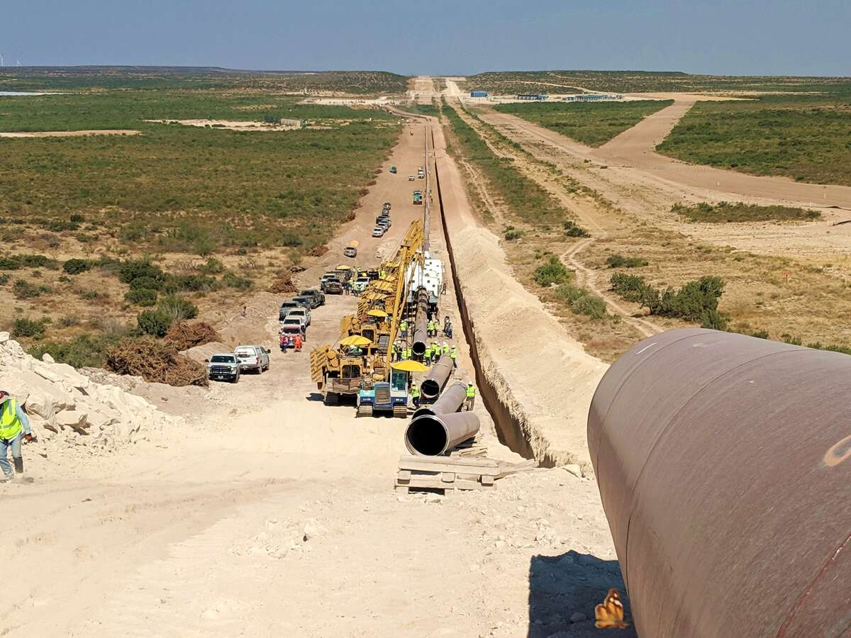 The Whistler Pipeline has entered commercial service, carrying 2 Bcf of Permian Basin natural gas from Waha to Agua Dulce and then to export markets.