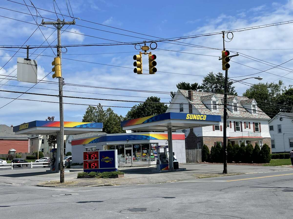 Stewart's Shops aims to construct a new location at the corner of Union and McClellan streets in the city of Schenectady, a project that will replace the existing Sunoco and Jones Funeral Home.