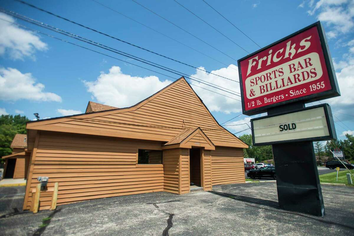"""Frick's Bar,located at 4408 N. Saginaw Road in Midland,appears to be sold after a sign in front of the barhas changed from """"sale pending"""" to """"sold."""" The Midland Daily News could not reach the owner in time for publication, and the Midland County Register of Deeds reports a deed has yet to be filed. But follow the Daily News for more updates on this reported sale.(Katy Kildee/kkildee@mdn.net)"""