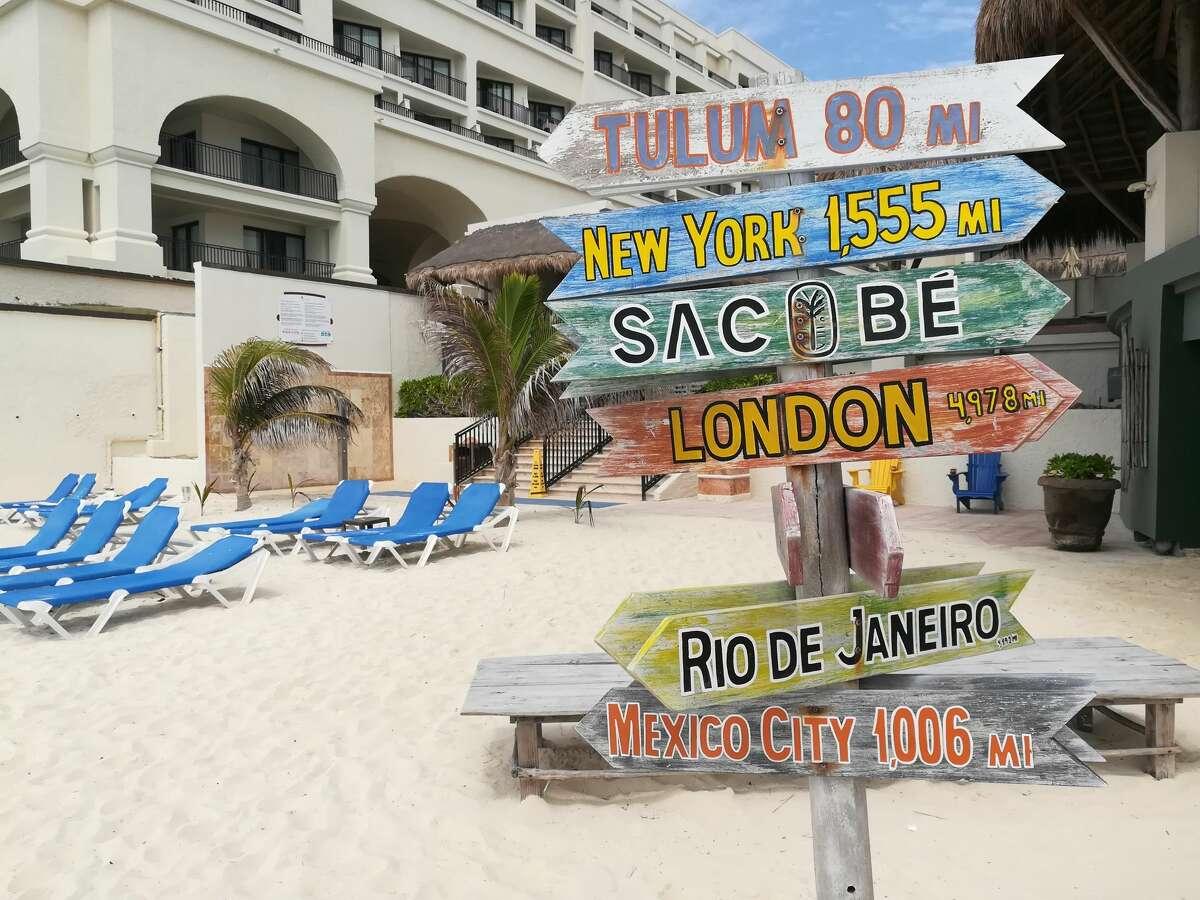 Beachfront at Marriott Cancun Resort, Mexico