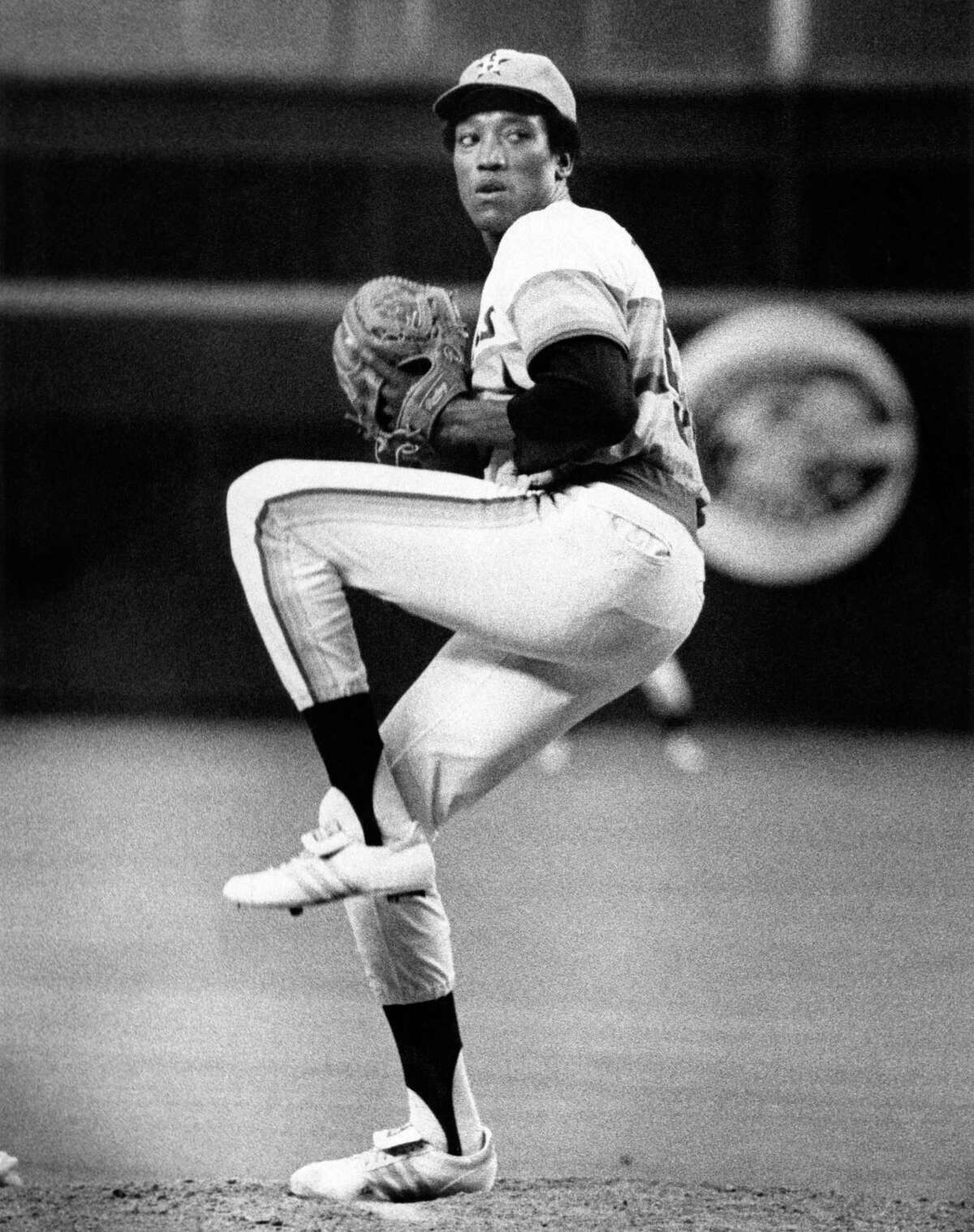 07/04/1978 - Houston Astros pitcher James Rodney (J.R.) Richard winds up in the Astrodome.
