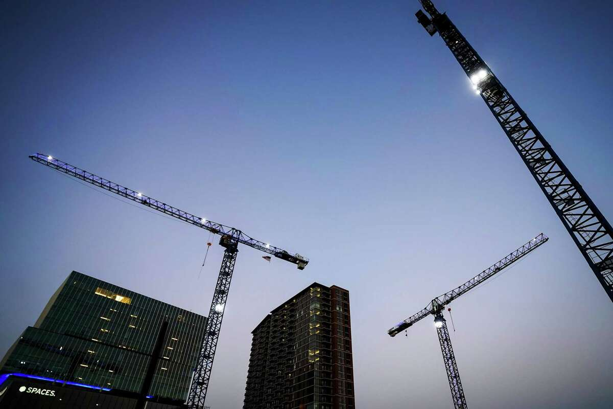 The Texas economy is growing at a robust pace, according to the Federal Reserve Bank of Dallas.